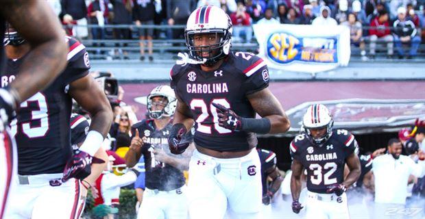 Samuel's 3 TDs lift South Carolina to 44-31 win