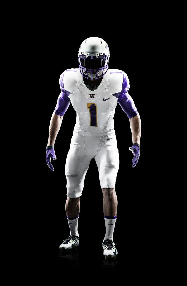 White one looks like the 2011 LSU alternative. 517122e167d3