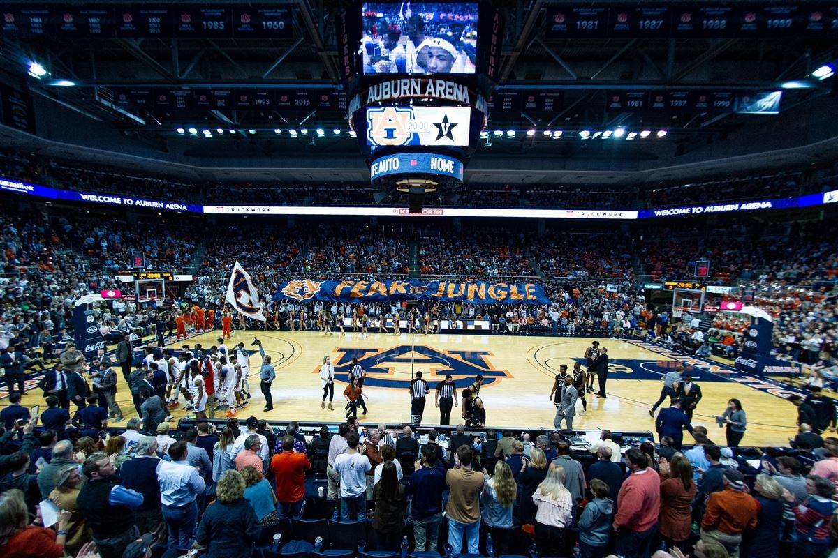 Basketball Photos Auburn Fends Off Vanderbilt 83 79