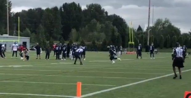 WATCH: Chris Carson burns Bobby Wagner in one-on-one drill