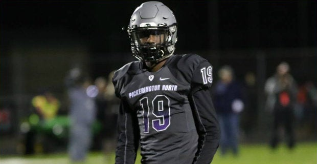 Badgers showing late interest in Ohio wide receiver