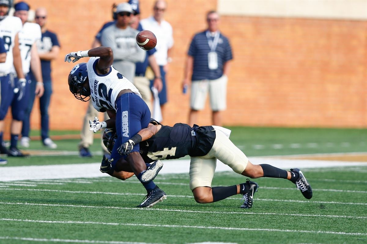 Wake Forest secondary has chip on their shoulder, Henderson says