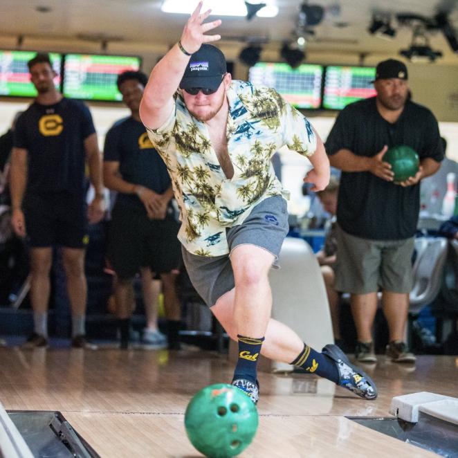 Bears bond over bowling