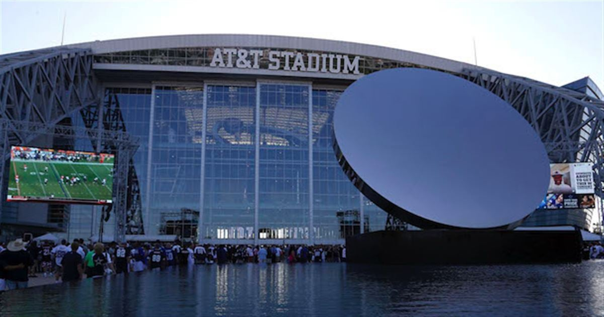 Dallas cowboys opening family restaurant inside at t stadium for Dining at t stadium