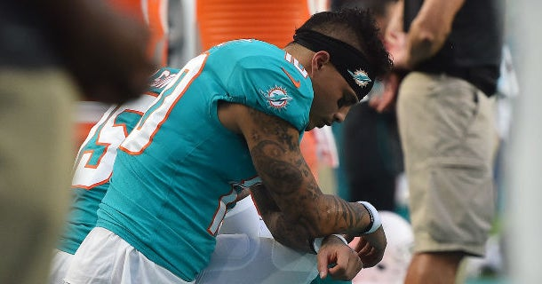 Kenny Stills calls out Miami owner for hosting Trump fundraiser