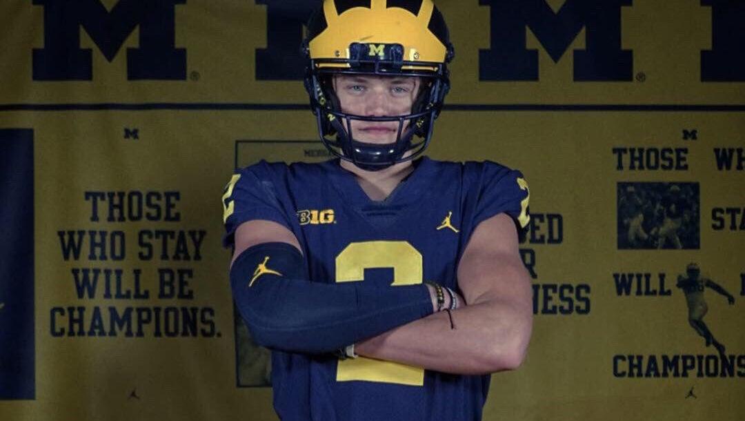 95c6b32bfb1 Michigan Recruiting: QB commit set to return to Ann Arbor twice