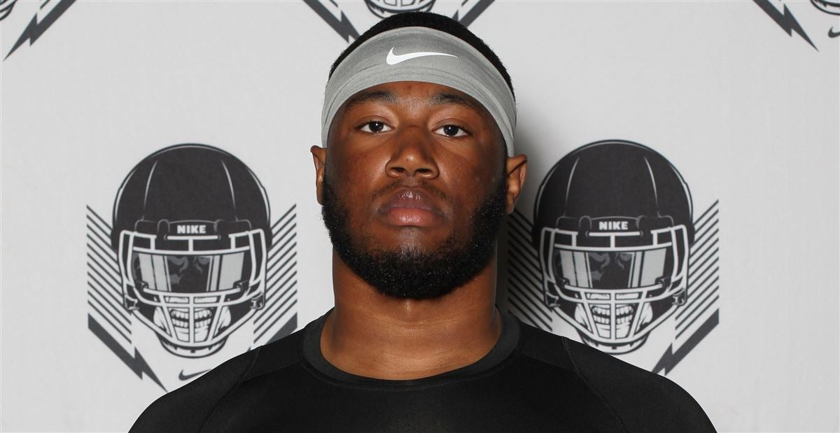 Tennessee among 'main schools' in running for four-star DL