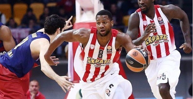 Strawberry, 33, Signs with EuroLeague Team