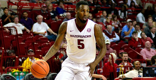 Arkansas basketball player arrested early Saturday morning