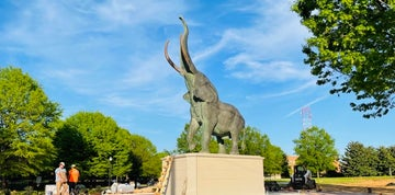 Look: Seven-ton elephant statue installed at Bryant-Denny Stadium