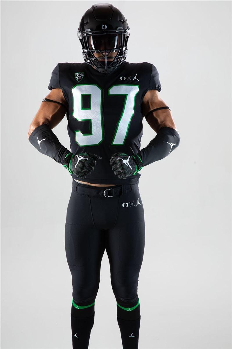 hot sale online fe55e 681b2 Oregon to wear Jordan uniforms for UCLA
