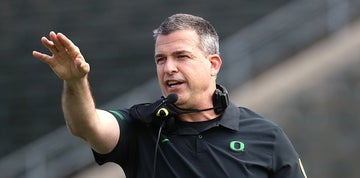 Mario Cristobal: Oregon safety says 'he's here to stay' amid USC rumors