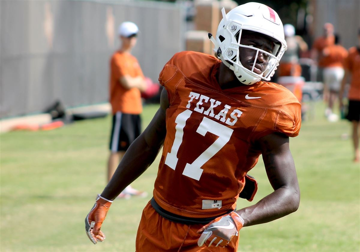 Longhorns getting Jamison work on both sides of the ball in camp