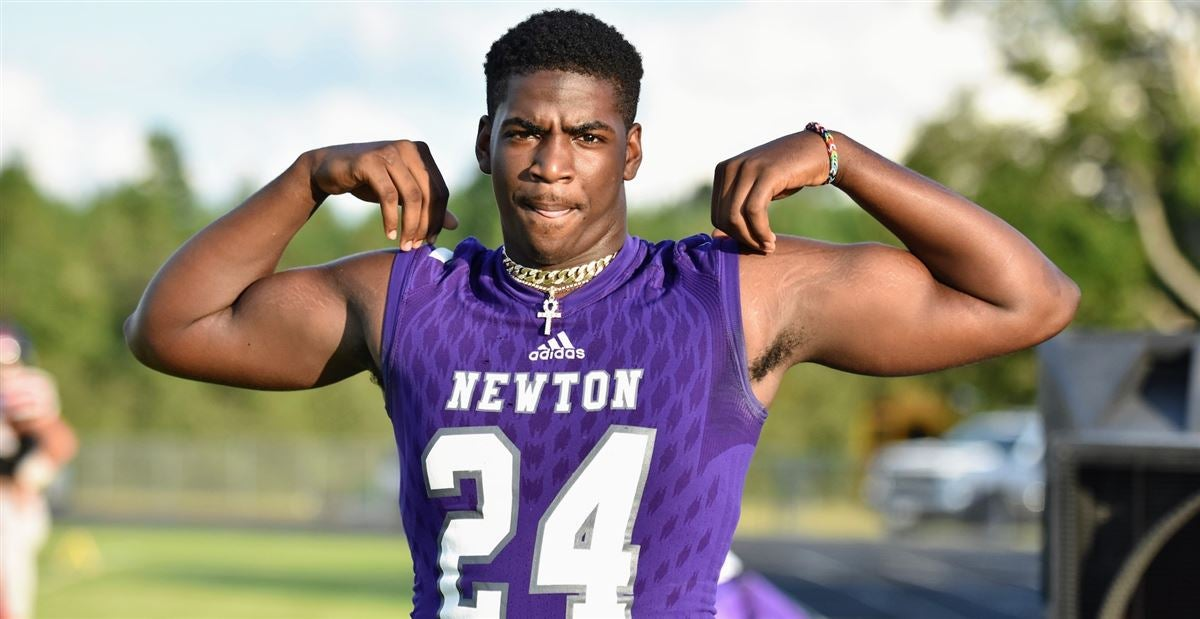 Defensive End James Sylvester Commits to Baylor