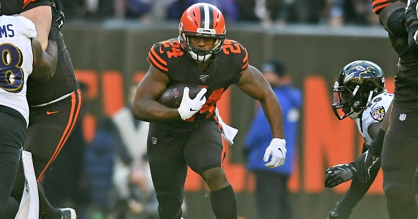 Hall of Fame running back predicts big things for Nick Chubb