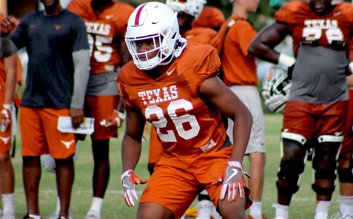 Practice Report: Texas gets back to work with focus on run game