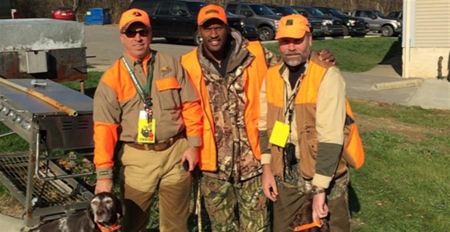 Steelers' Linebacker Goes Pheasant Hunting