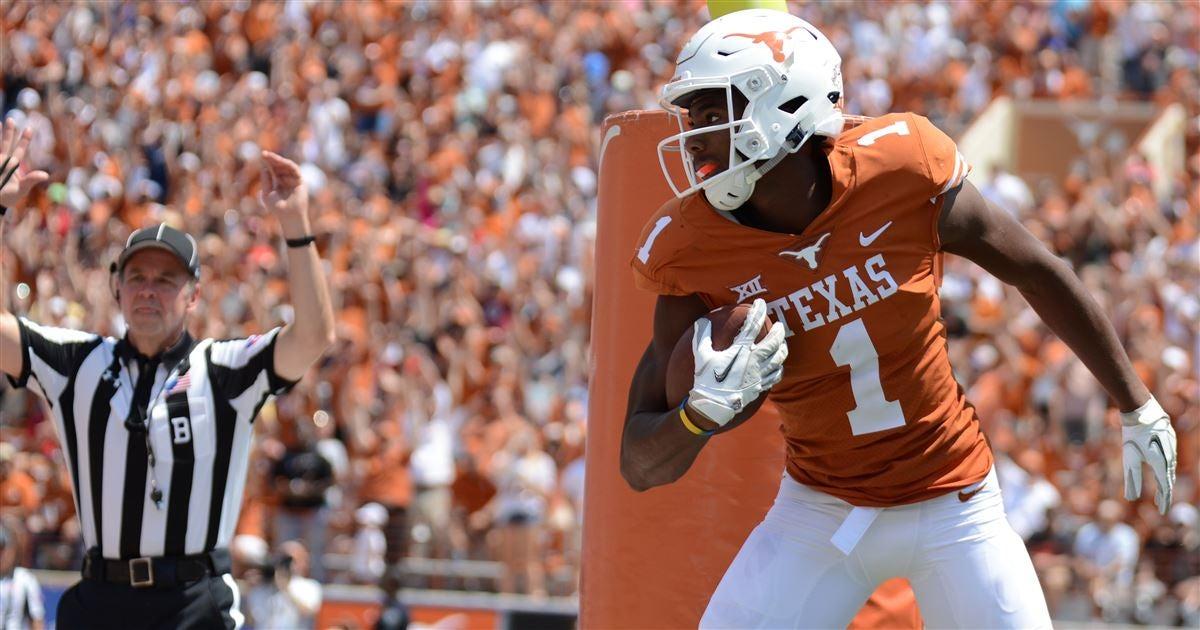 WATCH: Texas Longhorns WR John Burt 90-yard catch-and-run to set up Sam Ehlinger's touchdown