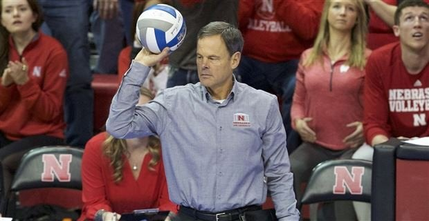 No. 1 Huskers fall to No. 2 Stanford