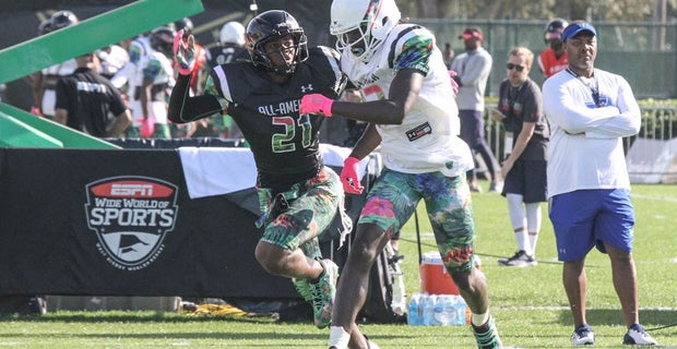 Son of Deion Sanders commits to South Carolina