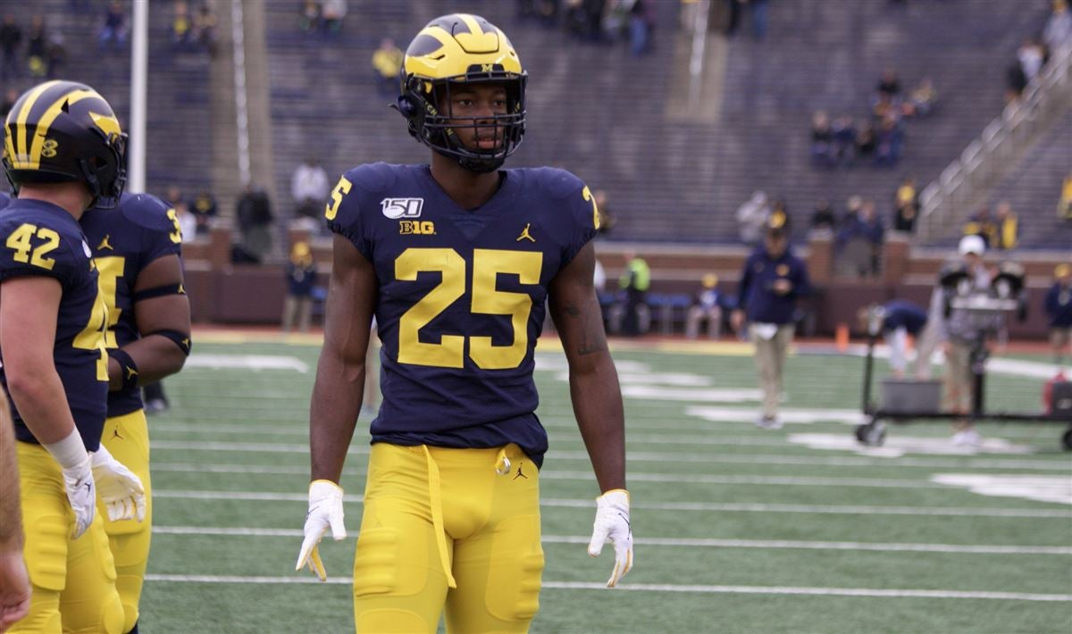 Look: Hassan Haskins gives Michigan early 7-0 lead at Illinois