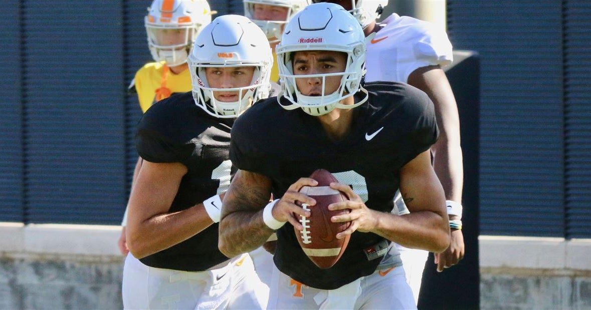 WATCH: Tennessee QBs getting ready for South Carolina