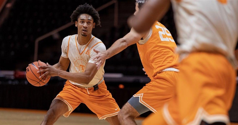PHOTOS: Vols basketball practice