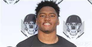 Defensive End Marlon Young Commits to the Panthers