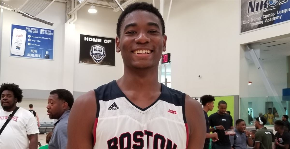 Tony Bennett hosts four-star wing with family connection to UVA