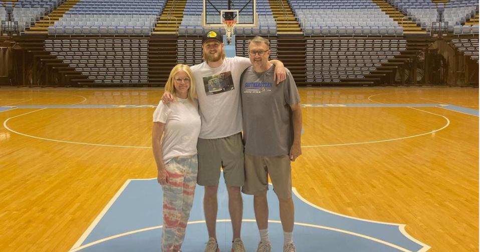 Oklahoma Transfer Brady Manek Arrives in Chapel Hill