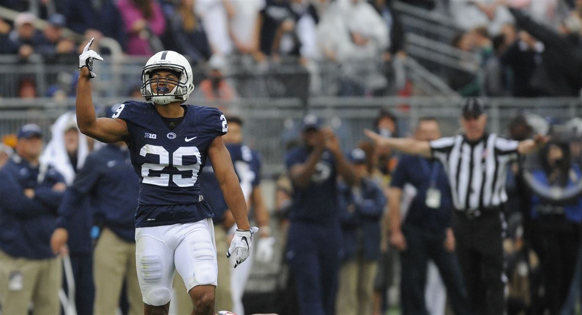 Penn State fans honor Reid as Player of the Buffalo Game
