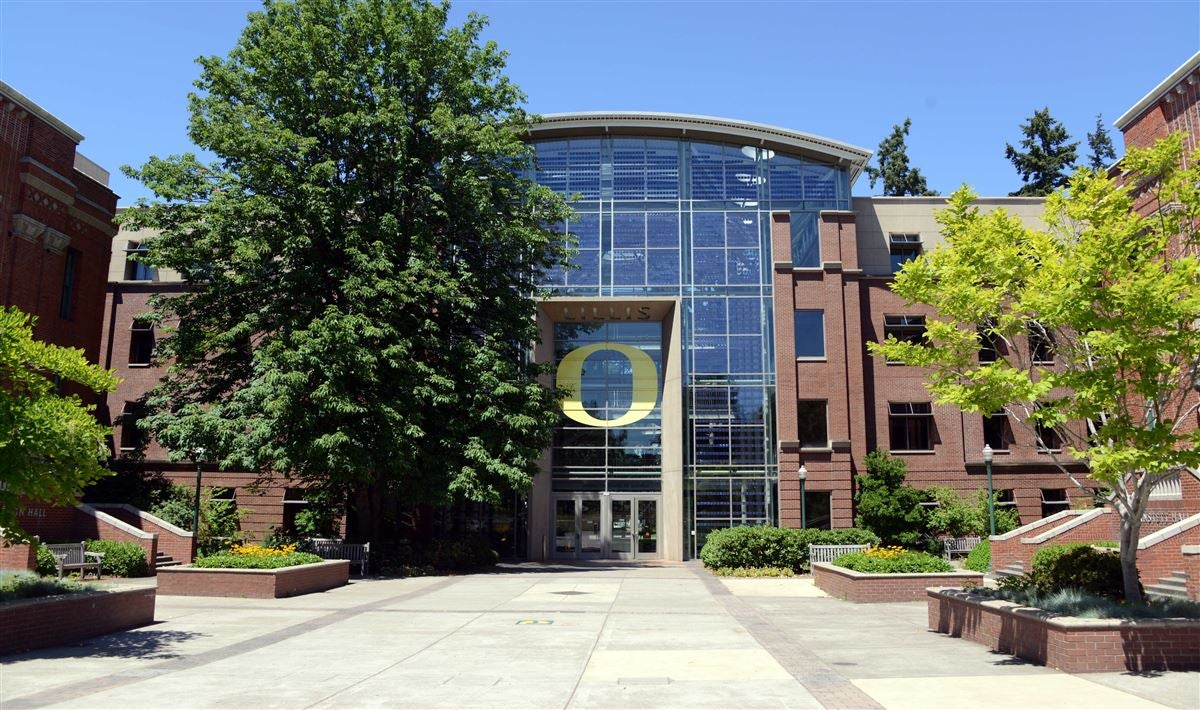 Oregon launches program to educate student-athletes on branding