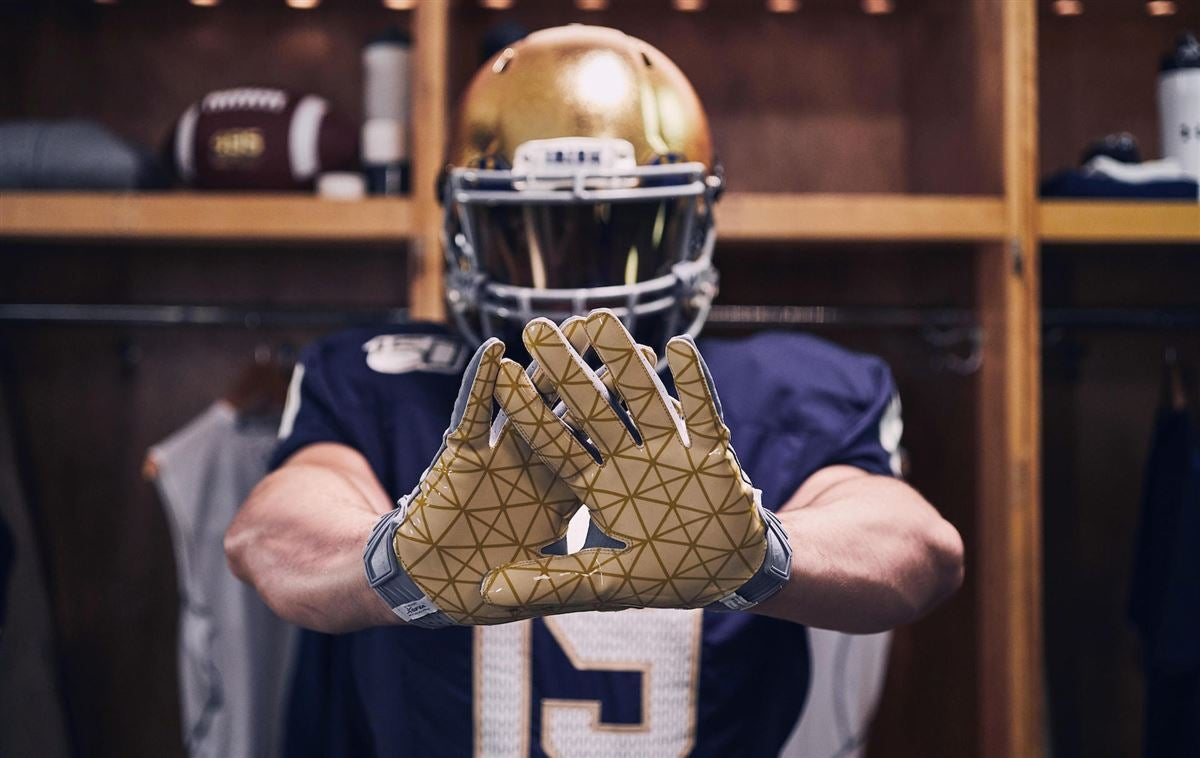 Notre Dame to wear alternate uniforms for Boston College game