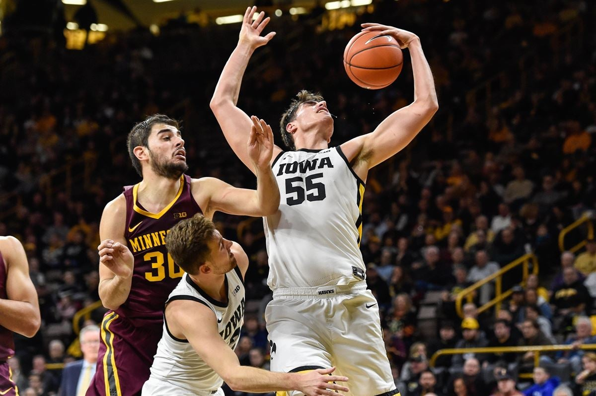 Inside the Numbers: Iowa gets back on track against Minnesota