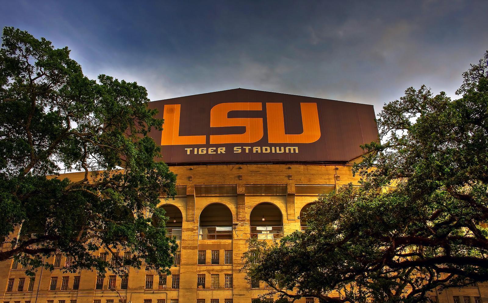 Report: Alabama student accused of threat at LSU's Tiger Stadium