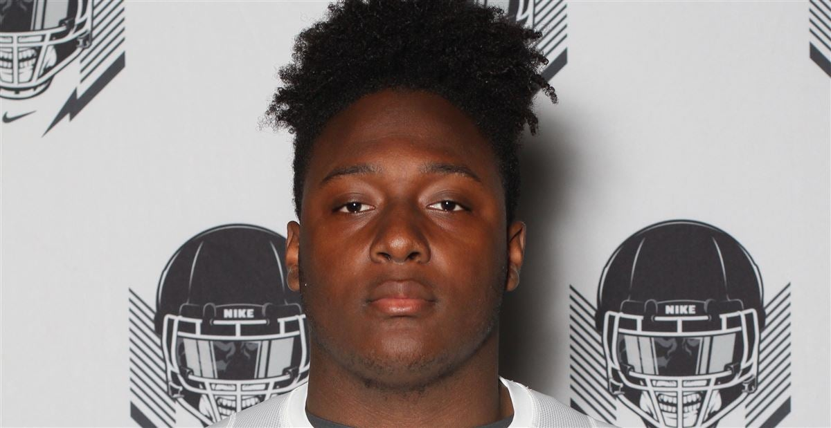 Memphis makes top five for local three-star offensive lineman
