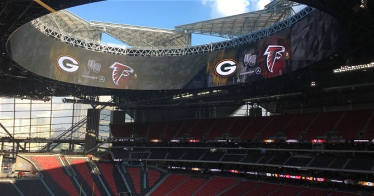 Mercedes benz stadium roof leaks over weekend for Mercedes benz stadium season tickets