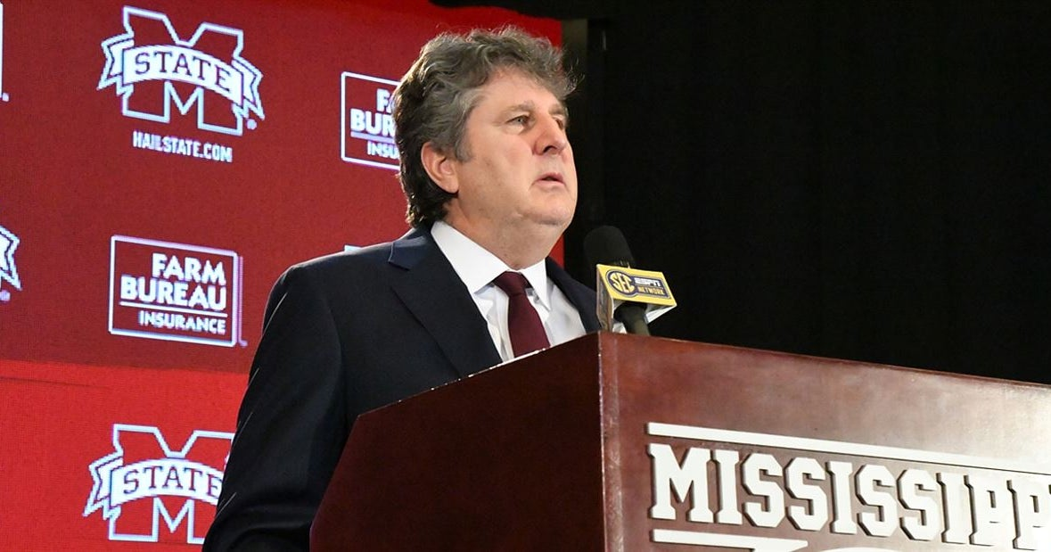 Mike Leach 'not a fan' of talk to cancel the season