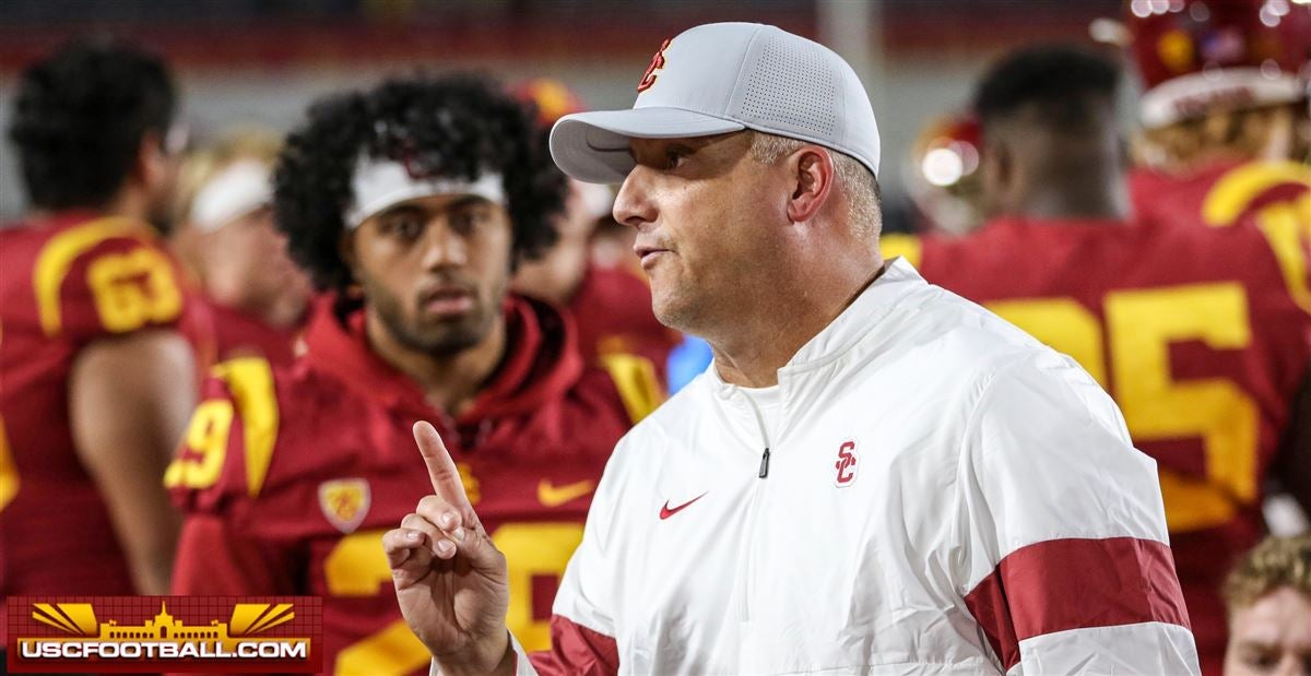 ESPN: USC's Helton to be retained through '21 unless 'it's ugly'