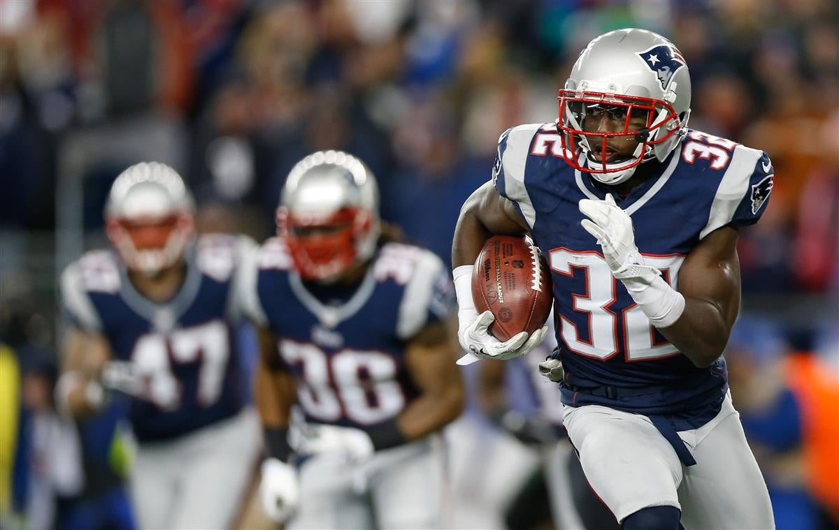 Bill Belichick makes NFL Man of the Year case for Devin McCourty
