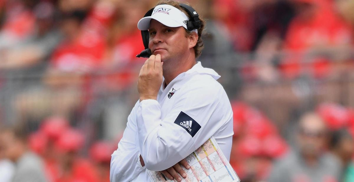 Kiffin responds after fan tweets Arkansas AD to hire FAU coach