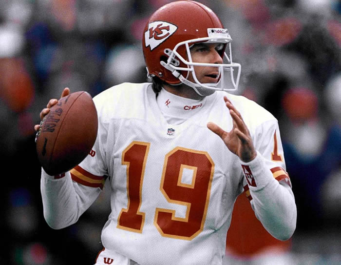 huge discount ad68b 35df0 Joe Montana in attendance to support Chiefs at AFC Championship