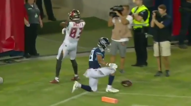Ryan Griffin throws touchdown to Sergio Bailey