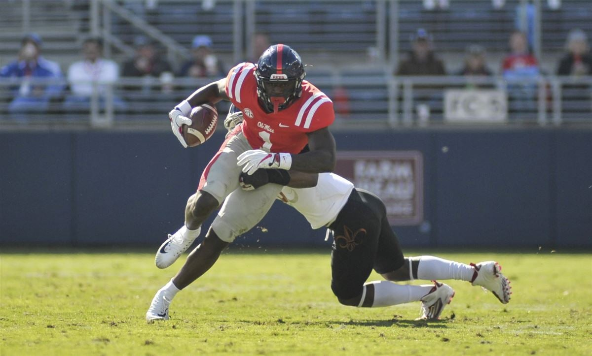 Ole Miss QB Jordan Ta'amu and WR A.J. Brown shined in a 50-22 rout of Louisiana on Saturday.