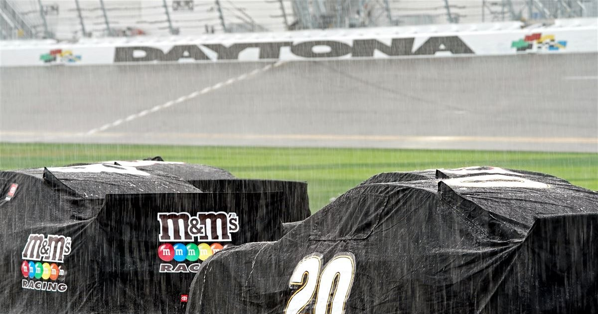 Rain results in Daytona 500 being red flagged after 20 laps