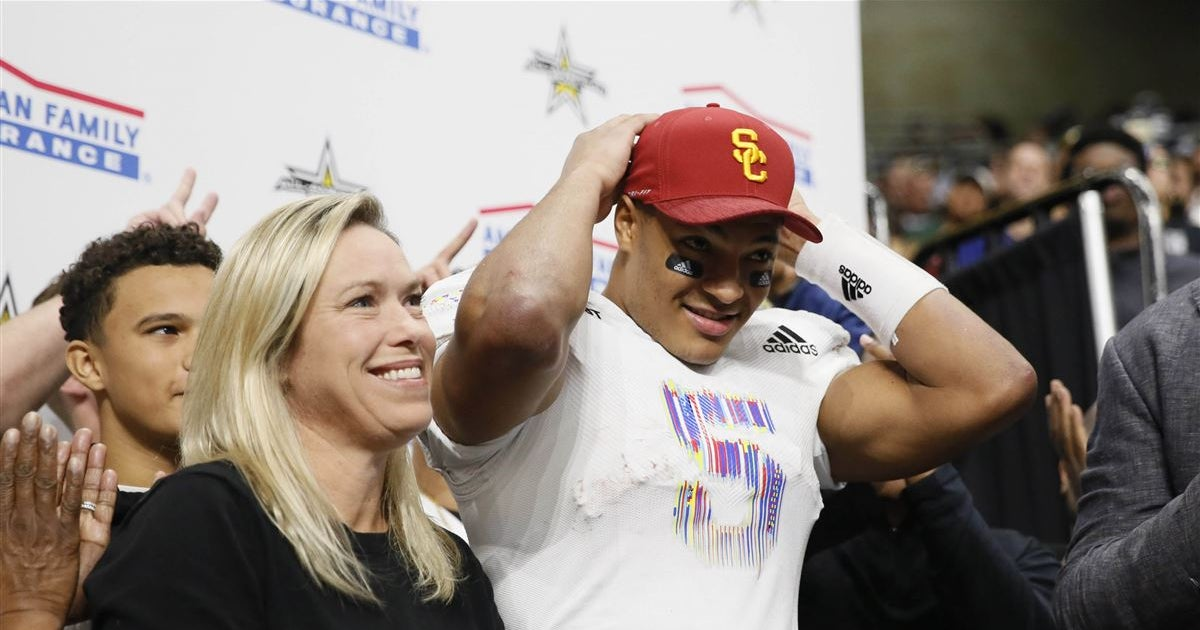 Clay Helton sees Bru McCoy step up for USC with big scrimmage