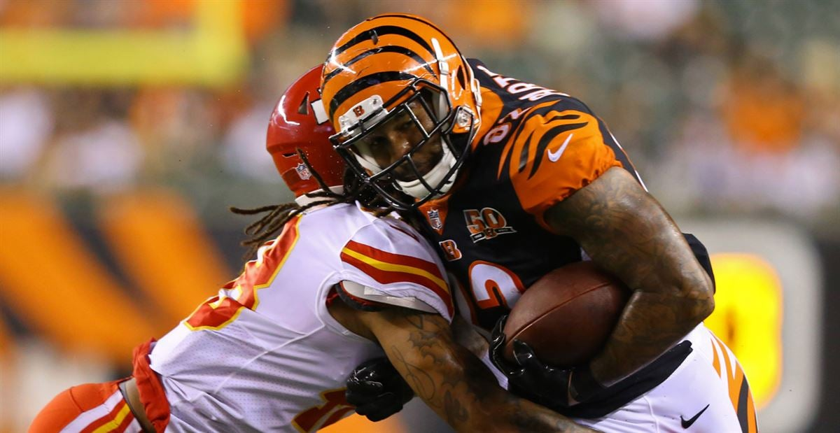 Cethan Carter re-signs with the Cincinnati Bengals