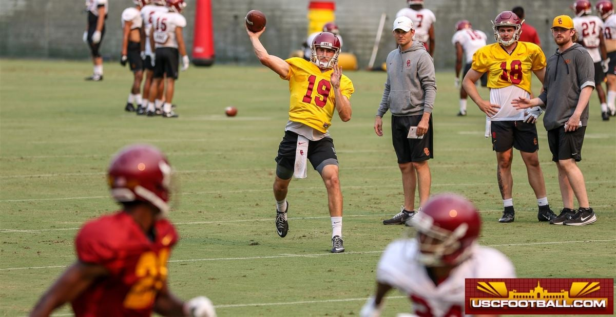 WATCH: USC QBs throwing to skill players in the Coliseum
