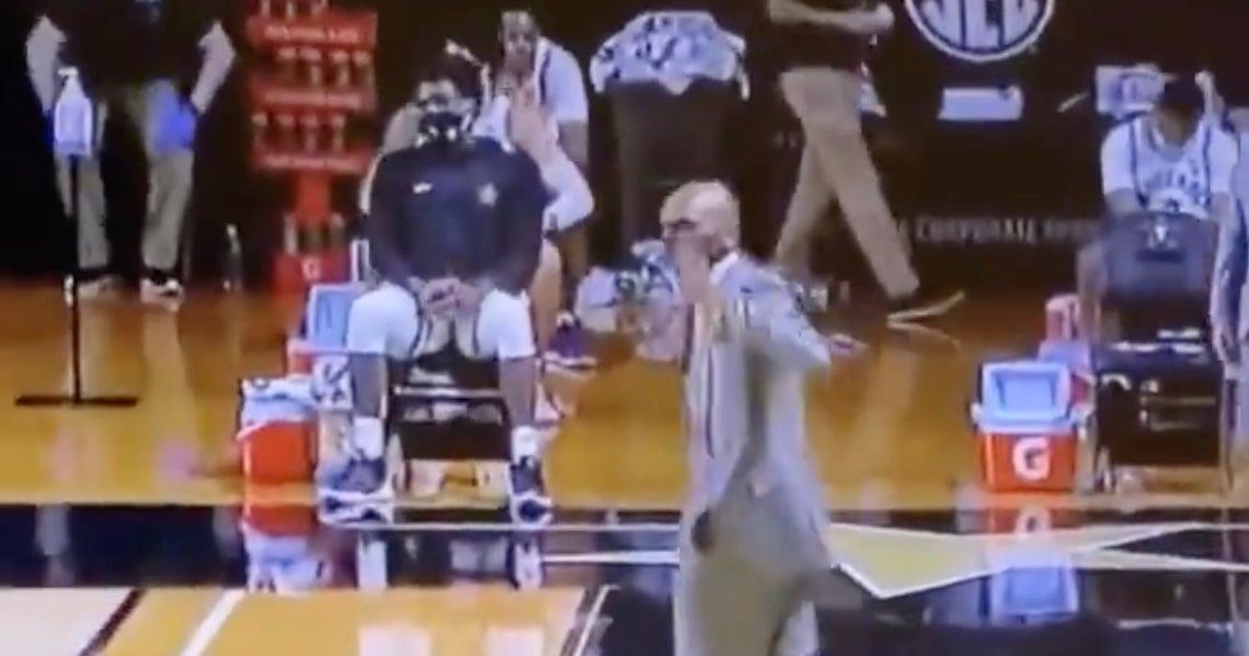 WATCH: Jerry Stackhouse not happy with John Calipari following Kentucky-Vanderbilt - 247Sports