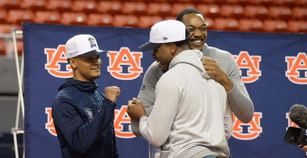 Auburn Basketball Returns Home Celebrates Final Four With Fans